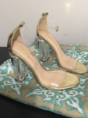 Gold clear heels size 6 for Sale in Norwalk, CA