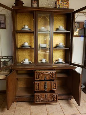 China cabinet for Sale in Zephyrhills, FL