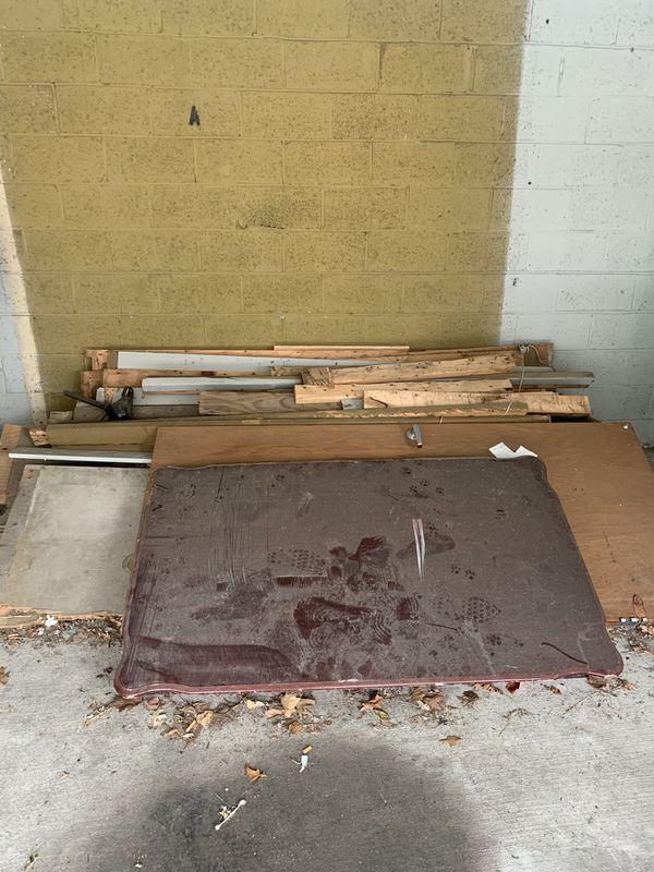 Free Wood (Madera por gratis)