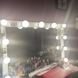 Selling My Makeup Mirror for Sale in Phoenix, AZ