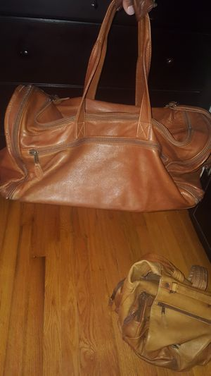 Wilsons Genuine Leather Duffle Bag & Backpack for Sale in Mableton, GA