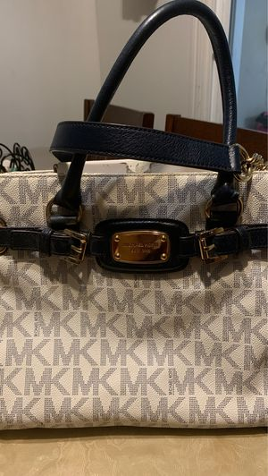 Navy Blue/ white with gold chain Michael kors Bag for Sale in Concord, CA