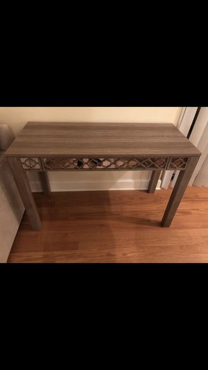 Decorative Table with drawer for Sale in Tampa, FL