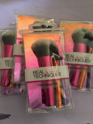 New real techniques makeup min brush set for Sale in Los Angeles, CA
