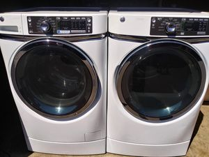 GE STEAM HEAVY DUTY LARGE CAPACITY WASHER AND DRYER for Sale in Portland, OR