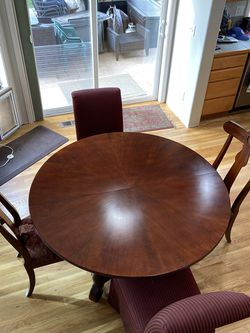 Ethan Allen British Classic Chairs And Table Set for Sale in Auburn,  WA