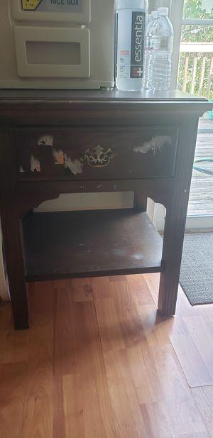 Small table for Sale in Woodbridge, VA