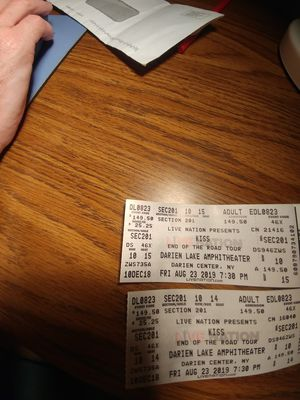 2 Kiss tickets for Sale in West Seneca, NY