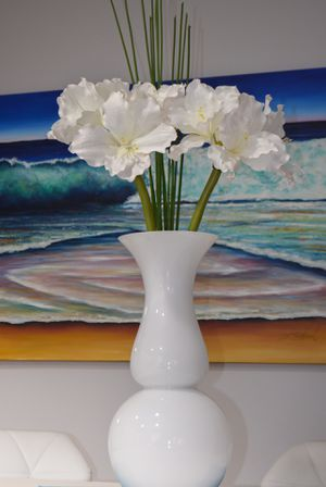 White artificial flower with beautiful vase / Home Decor for Sale in Homestead, FL