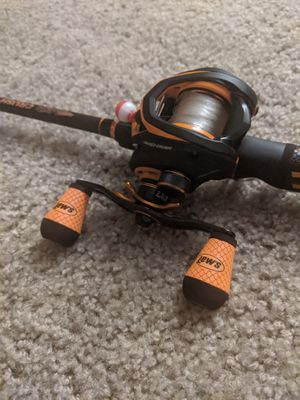 Lew's Mach Crush Speed Spool SLP Baitcasting Combo (Exclusive Dick's Sporting Goods Color) for Sale in Gaithersburg, MD