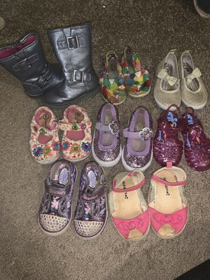 Girls size 5 shoes for Sale in Greenville, SC