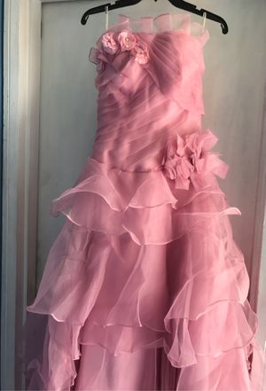 Quinceanera dress and 2 crinolines under dress for Sale in Hayward, CA