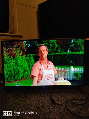 32 inch 1080 led tv for Sale in Harrisburg, PA