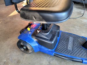 Go go 3 wheel scooter for Sale in Oroville, CA