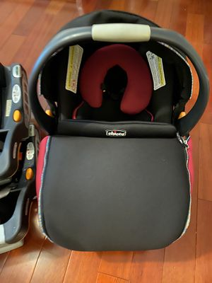 Chicco car seat with 2 bases for Sale in Ellicott City, MD