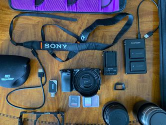 KIT SONY A6300 4K 24 MP W/ SIGMA 30MM 1.4f & SONY TELEPHOTO 55 - 210MM 32 GB MEMORY EXTRA BATTERIES AND BAG bc for Sale in Miami,  FL