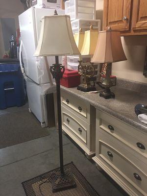 Pole lamp for Sale in Murfreesboro, TN
