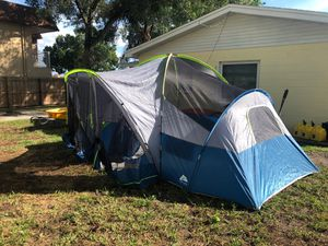 10 person camping tent for Sale in Tampa, FL