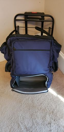 LARGE PICNIC BACKPACK/TROLLEY SET for Sale in Brentwood,  NC