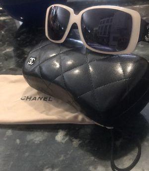 Chanel White Framed Sunglasses for Sale in Santa Clarita, CA