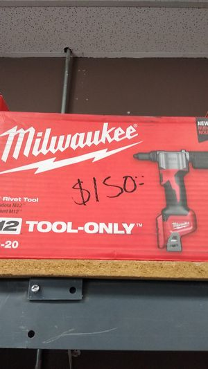 MILWAUKEE RIVET TOOL M18 for Sale in Moreno Valley, CA
