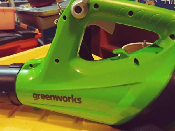 Greenworks Yard and Leaf blower