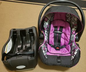 Car seat with base for Sale in Wheaton, MD