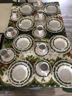 Christmas dinner set 32 pieces for Sale in Santa Ana, CA