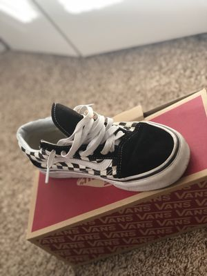 Black/white Vans size 7.5 Men's for Sale in Pikesville, MD