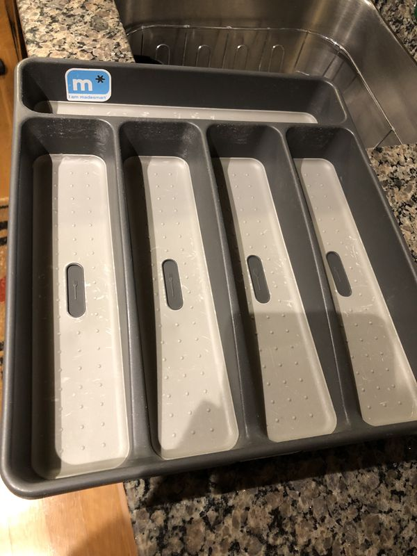 Silverware tray