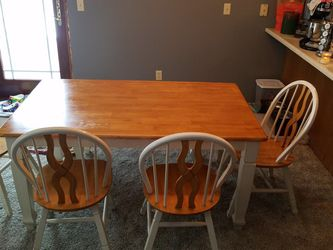 Dining Room Table, Bench & Chairs for Sale in Auburn,  IL
