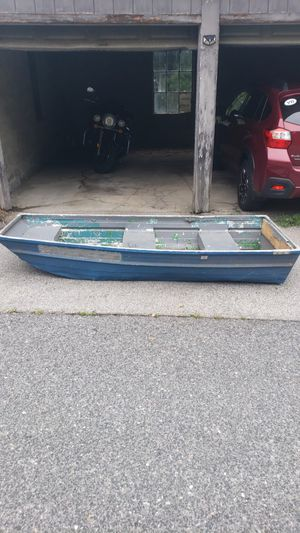Aluminum boat for Sale in Worcester, MA