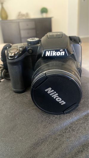 Nikon coolpix p500 with tripod for Sale in Chandler, AZ