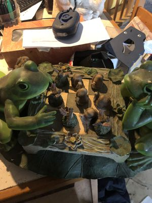 Frog playing checkers for Sale in Port St. Lucie, FL