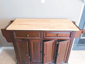Bed Bath & Beyond Bar/Kitchen Island for Sale in Aldie, VA