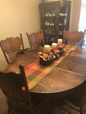Beautiful Antique Table with 6 chairs for Sale in Leavenworth, WA