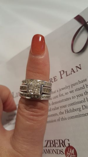 14kt wedding ring with two bands w/ lifetime plan for Sale in Portland, OR