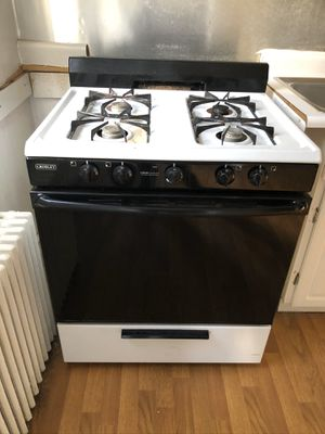 Gas stove - Crosley for Sale in Brooklyn Park, MD