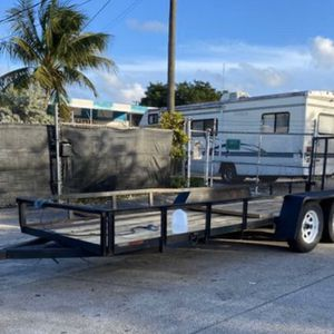 5 X 20 Landscape trailer with ramp for Sale in Hollywood, FL