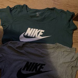 2 Nike Shirt Womens Size Large for Sale in Mableton, GA