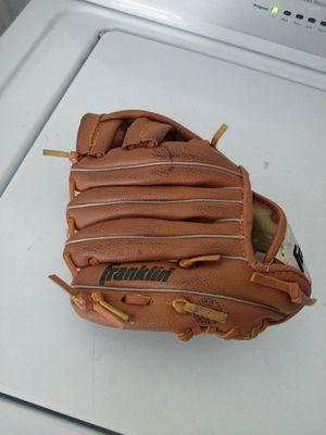 Kid's baseball glove for Sale in Rancho Santa Margarita, CA