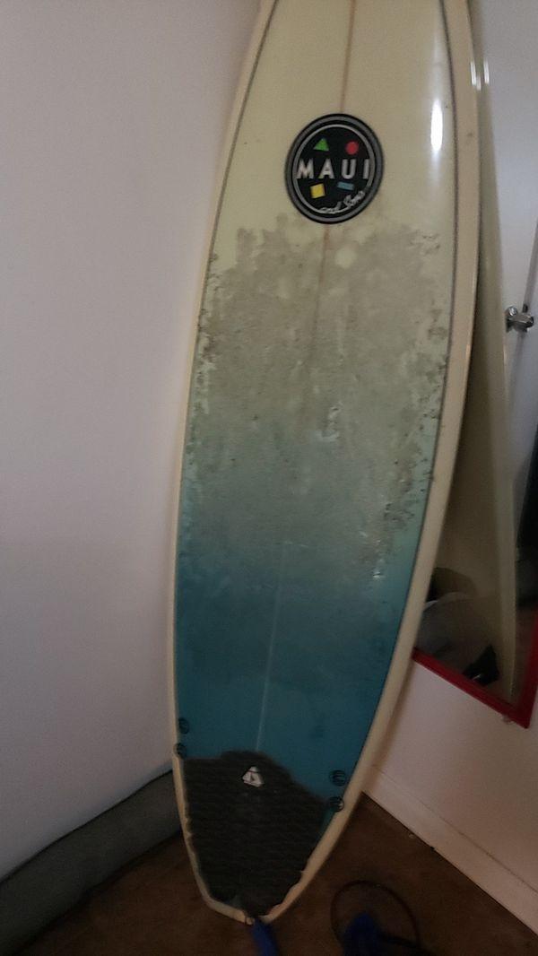 """Maui & Sons 6' 0"""" Surfboard. Like new."""
