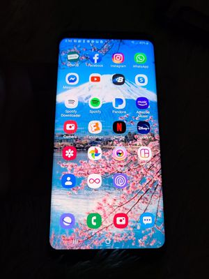 Cell phone Samsung Galaxy S8 Plus 64 GB for Sale in Las Vegas, NV