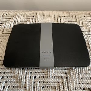 Linksys EA6200 Dual-Band Wi-Fi Router AC900 for Sale in Los Angeles, CA