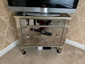 Bassett mirrored console for Sale in Manalapan Township, NJ