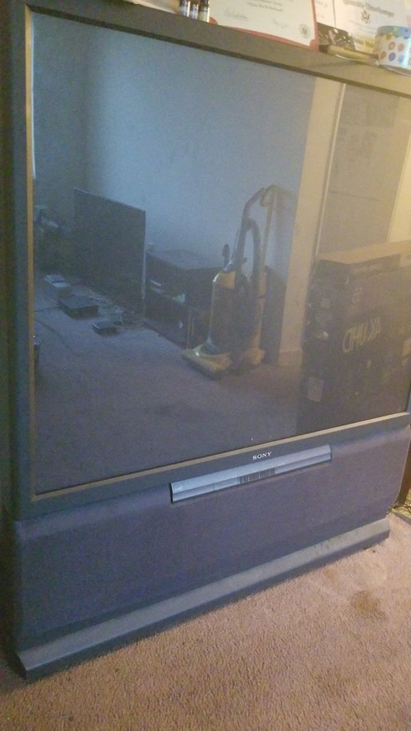 """61"""" rear projection box television"""