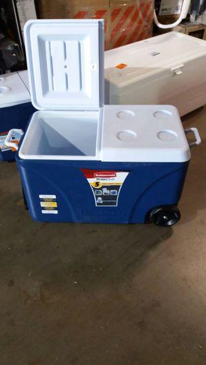 Rubbermaid 75 QT blue wheeled cooler for Sale in Phoenix, AZ