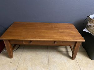 Coffee table for Sale in Peoria, AZ