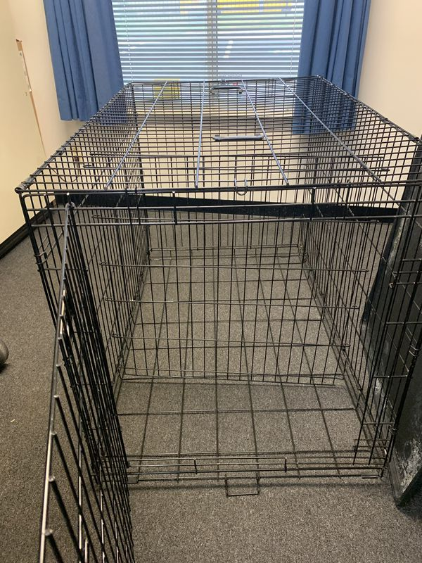 Petco LARGE dog crate w/training divider
