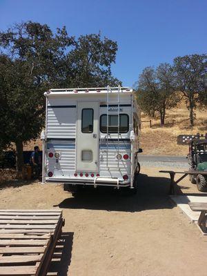 95 lance. Cab over camper for Sale in Pomona, CA